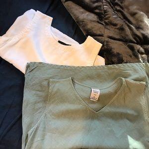 Sleeveless blouse set